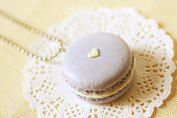 Food Jewelry - Mauvey Love Macaron Necklace