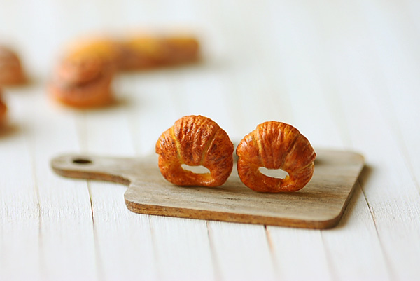 Food Earrings - Croissant Earrings